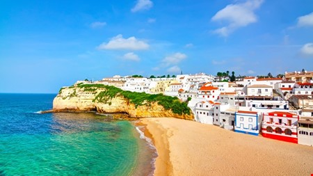 Algarve portugal accommodation for digital nomads